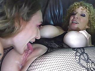 Big Boobed Milf Sara Jay Bangs Ava Austen's VaJayJay!